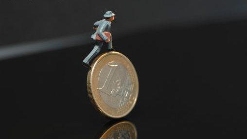 Euro-croissance, PEA PME, crowdfunding … l'épargnant au coeur de la croissance.